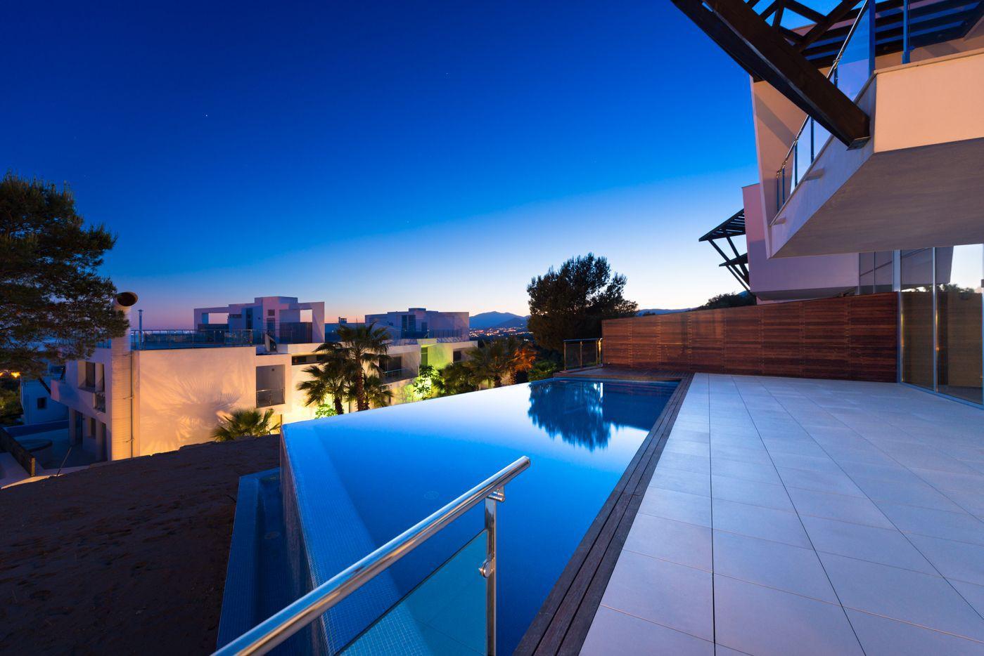 Moderne woningen op toplocatie te koop in marbella spanje specials - Zeer moderne woning ...
