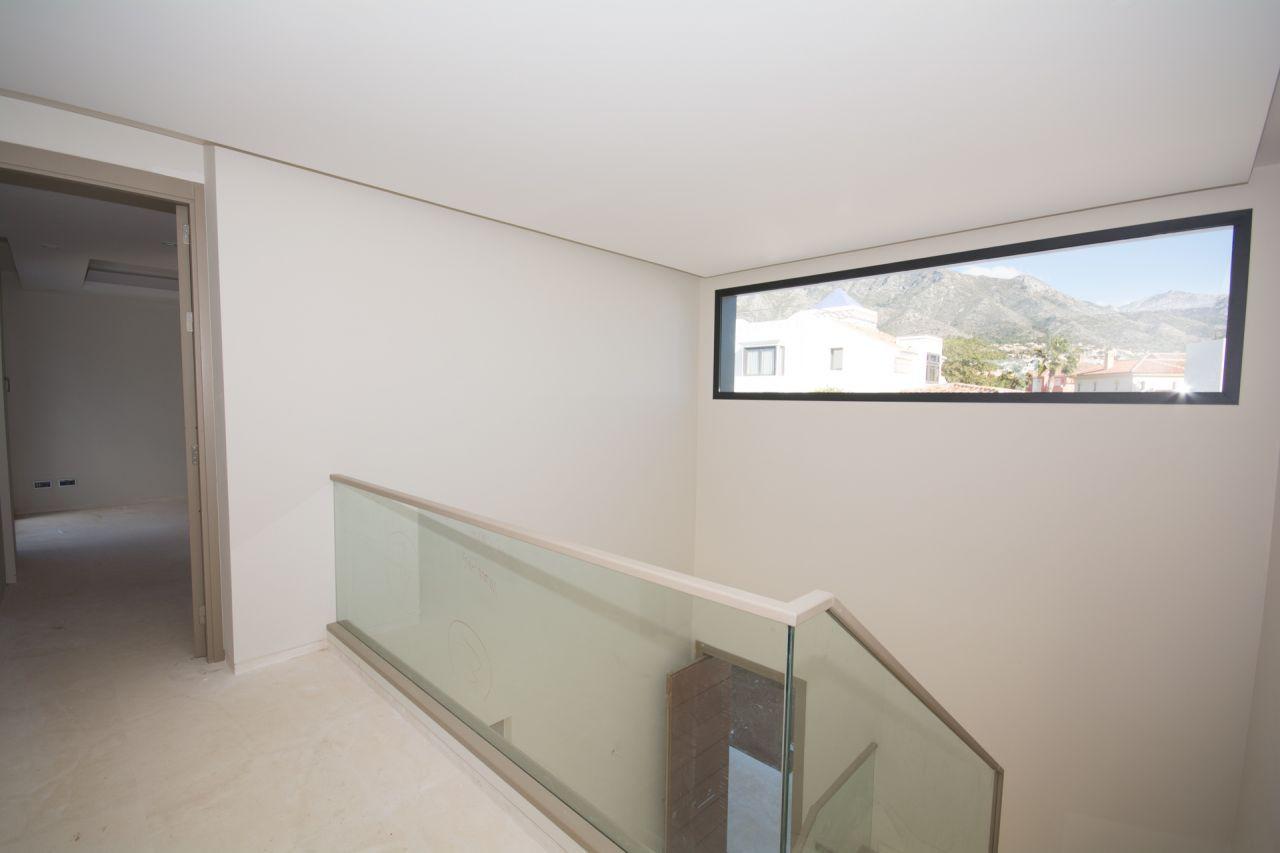 Moderne villa te koop op golden mile in marbella spanje specials - Eigentijdse stijl slaapkamer ...