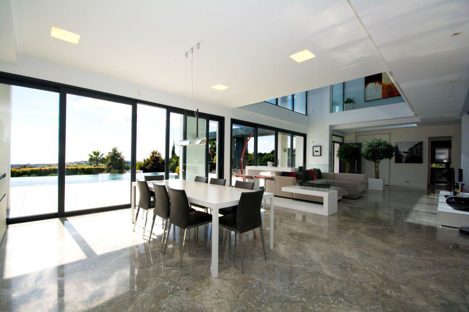 Moderne luxe villa te koop benahavis marbella spanje for Moderne luxe villa