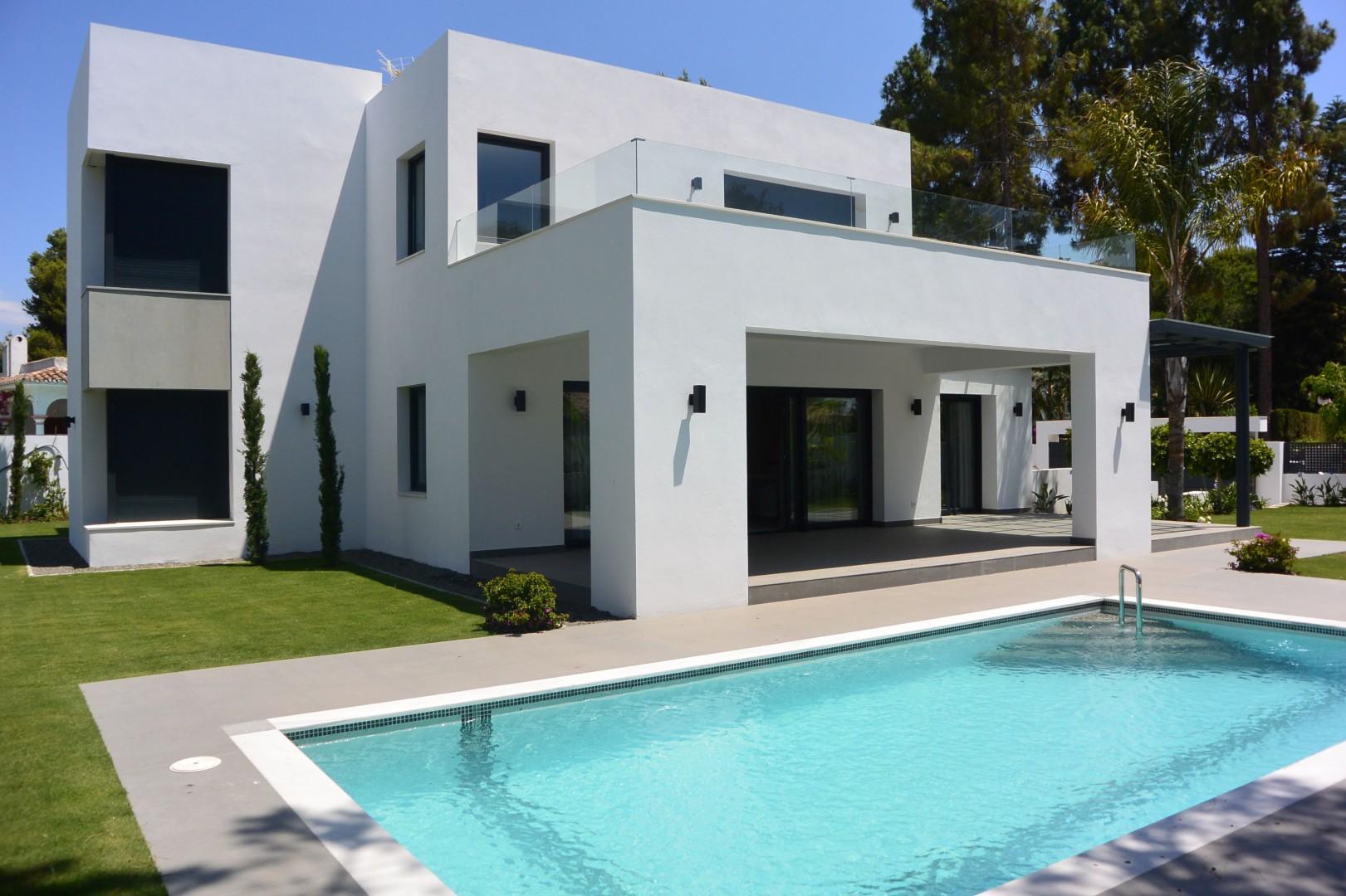 Moderne villa te koop estepona costa del sol spanje specials - Moderne wasruimte ...