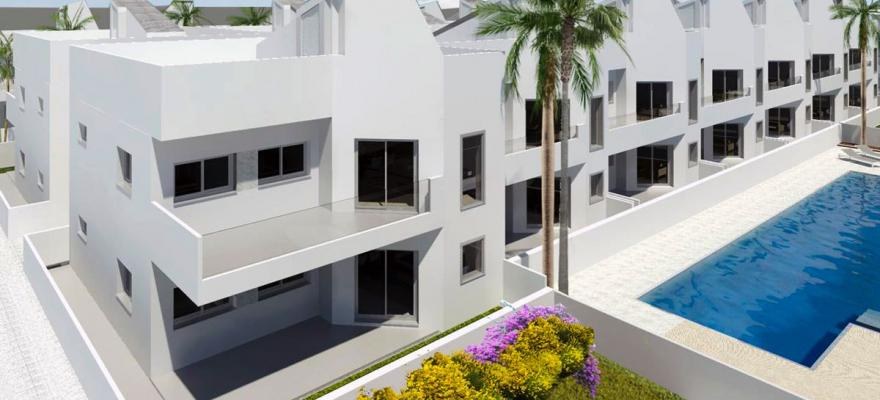 Nieuwe duplex bungalows op 300 meter strand Torrevieja