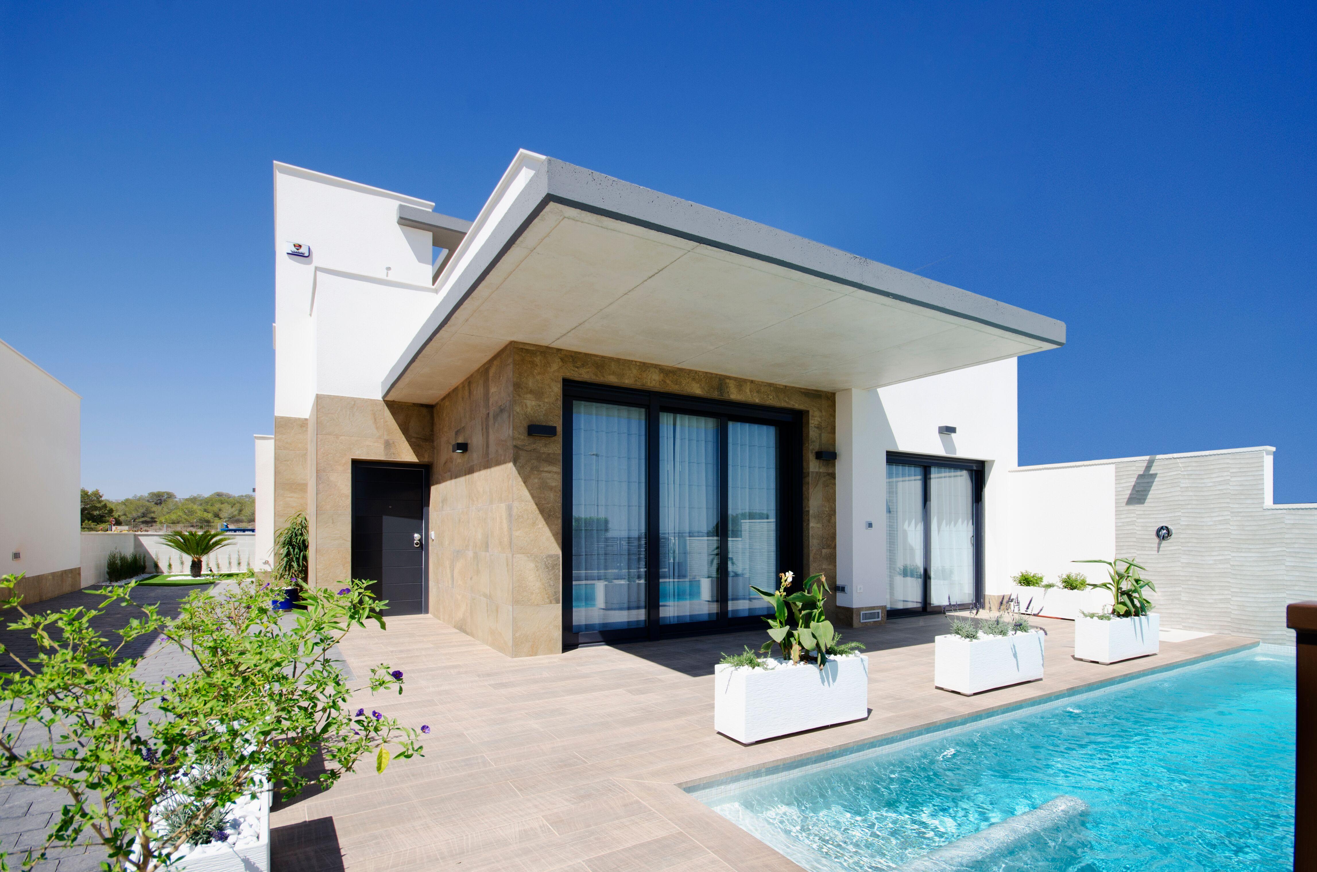 Luxe villa's met zeezicht op goede locatie