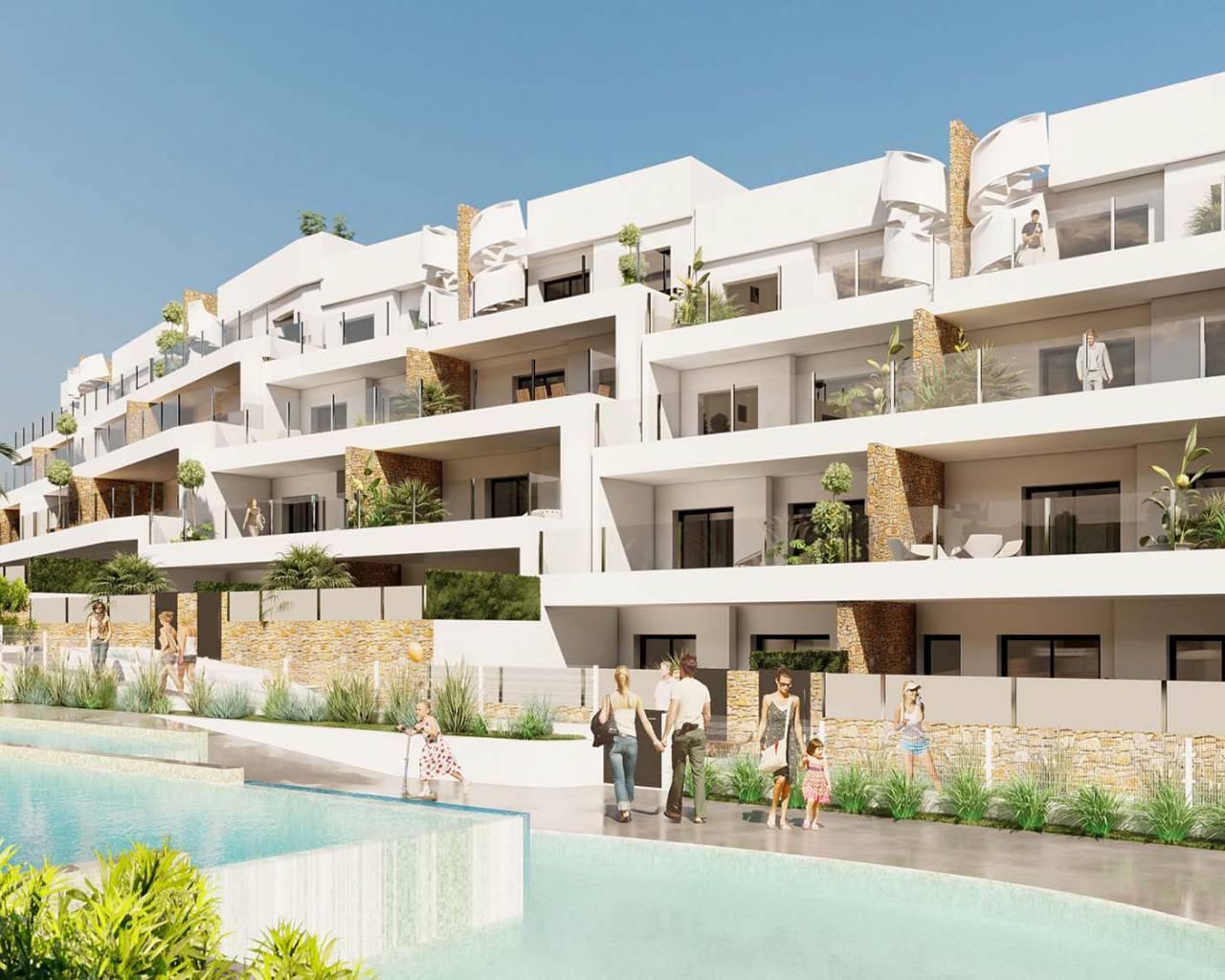 Appartementen bij zwembad